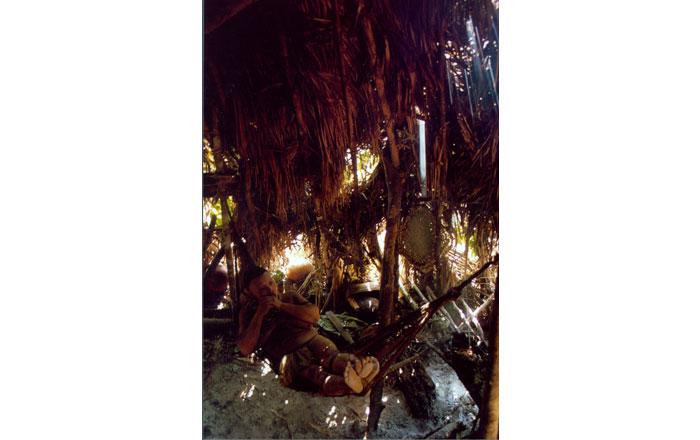 Kvinna från seminomaderna akunsukmfolket, foto Teresa Soop, 2002