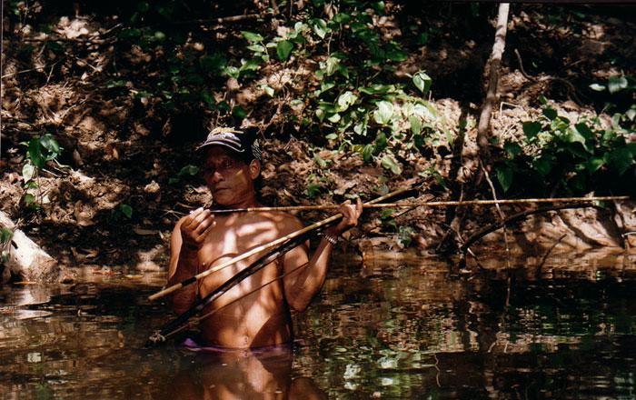 Uru-eu-wau-wau-krigare fiskar, Rondonia, foto Teresa Soop, 2001
